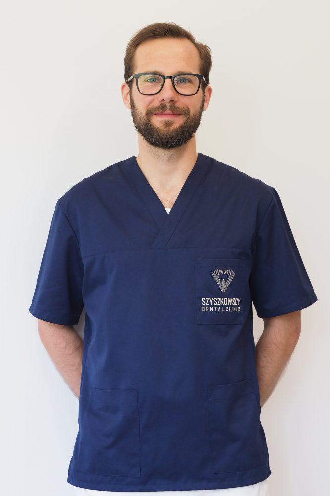 Specjalista periodontologii lek. dent. Wojciech Woźnicki